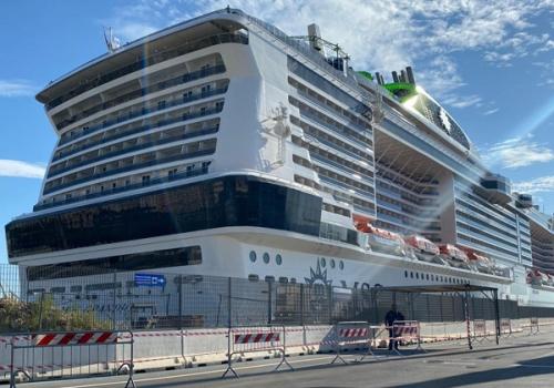 Approdata MSC Grandiosa, la prima nave da crociera al mondo a riprendere il mare